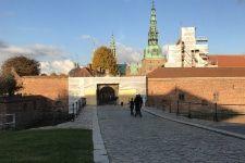 Foto af byrum foran Frederiksborg Slot, helhedsplan